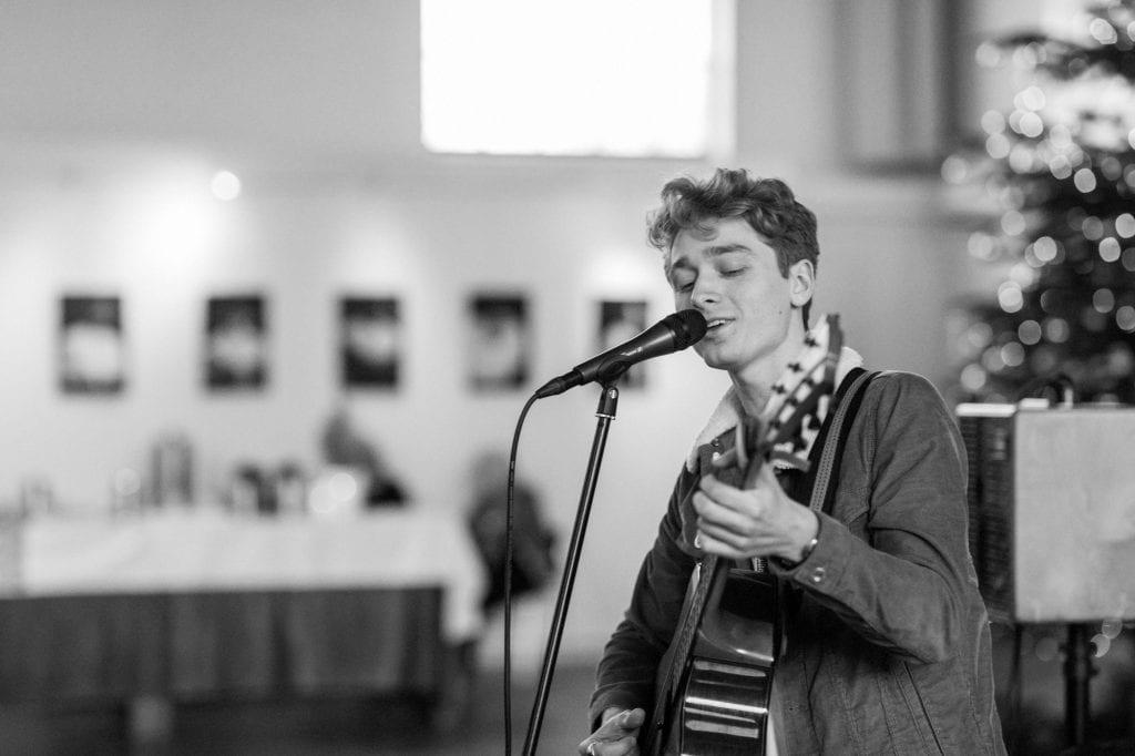 guitaar muziek in de kerk