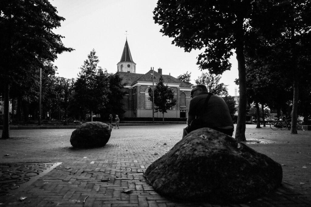Stadsfoto van de Grote Kerk in Emmen