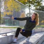 Chrissy poseert bij de skatebaan in Emmen
